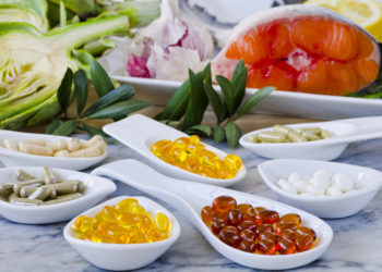 In einer neuen Studie hat sich gezeigt, dass Nahrungsergänzungsmittel nicht das Risiko für Schlaganfall und Herzinfarkt senken. Experten empfehlen das Geld nicht in solche Präparate, sondern in gesunde Ernährung zu stecken. (Bild: pat_hastings/fotolia.com)
