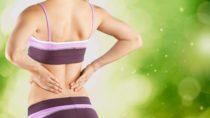 Fast jeder Mensch kennt Kreuzschmerzen. Spezielle Übungen können die Beschwerden oft verhindern. Nun wird ein neues Trainingsprogramm gegen Rückenschmerzen getestet. (Bild: BillionPhotos.com/fotolia.com)
