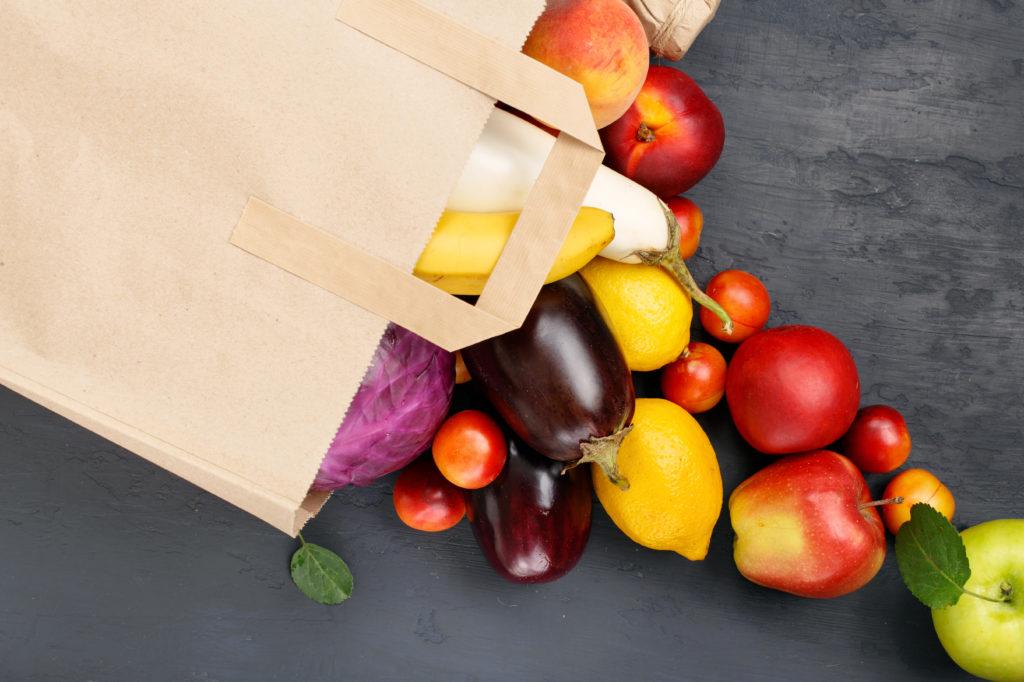 """Wenn die Pfunde trotz Diät und regelmäßiger Bewegung einfach nicht weniger werden wollen, könnte dies an einem """"schlechten"""" Stoffwechsel liegen. Um diesen anzuregen sollte man unter anderem viel Obst und Gemüse essen. (Bild: kucherav/fotolia.com)"""