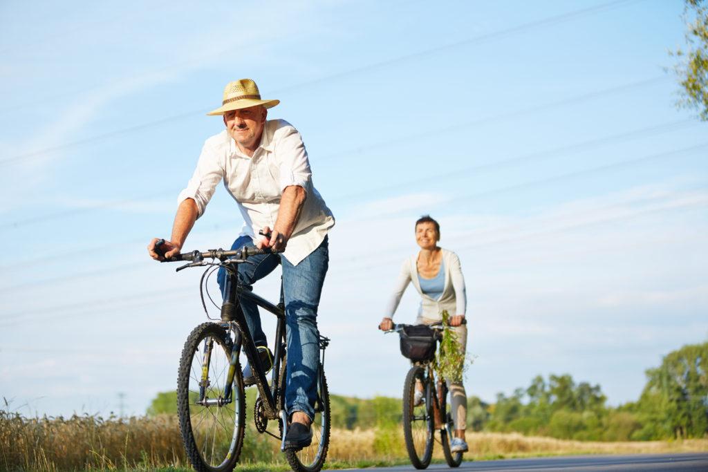 Einer neuen Studie zufolge kann moderate körperliche Aktivität bei Menschen über 65 Jahren die Herz-Kreislauf-Sterblichkeit um mehr als 50 Prozent senken. (Bild: Robert Kneschke/fotolia.com)