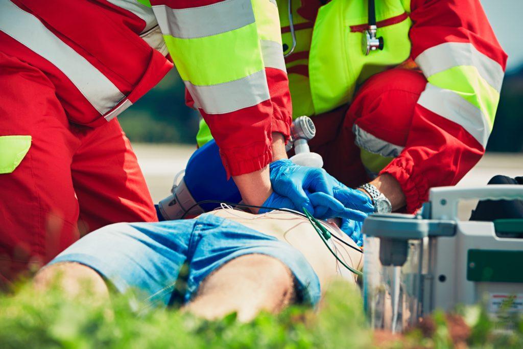 Der plötzliche Herztod tritt meist ohne Vorwarnung ein. Manchmal kündigt sich der sogenannte Sekundentod aber auch an. Das Risiko für Männer ist doppelt so hoch wie für Frauen. (Bild: chalabala/fotolia.com)