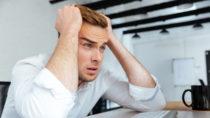 Viele Menschen denken sicher, dass Studenten ein ruhiges Leben haben und den halben Tag mit feiern und ausschlafen beschäftigt sind. Eine neue Umfrage ergab jetzt aber, dass mehr als ein Viertel der Studenten unter psychischen Erkrankungen leidet. Diese entstehen oft durch Stress und Leistungsdruck. (Bild: Drobot Dean/fotolia.com)