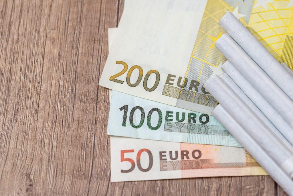 Es gibt genügend gute Gründe, mit dem Rauchen aufzuhören: Tabakkonsum gefährdet die Gesundheit, sorgt für schlechten Atem und ist teuer. Forscher haben nun in einem Experiment festgestellt, dass ein finanzieller Anreiz beim Rauchstopp helfen kann. (Bild: alfexe/fotolia.com)