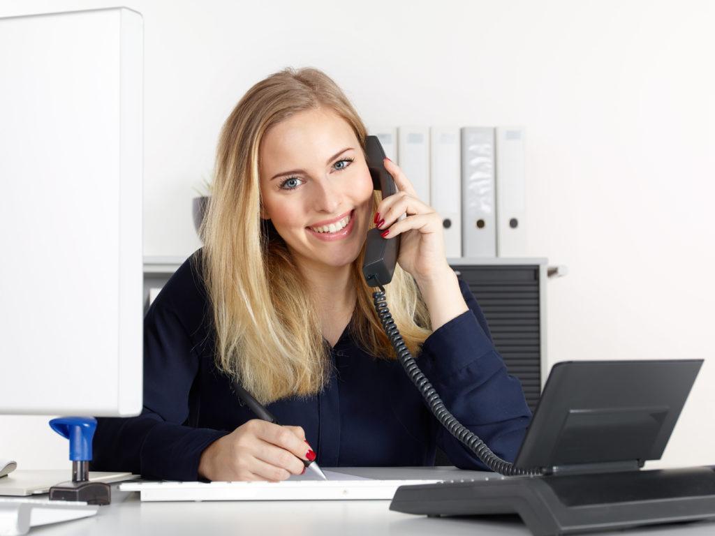 Während die zunehmende Arbeitsbelastung manche Menschen krank macht, können andere den Stress gut wegstecken. Resilienz-Forscher beschäftigen sich mit der Frage, warum das so ist. (Bild: Karin & Uwe Annas/fotolia.com)