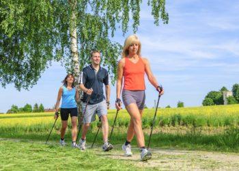 Gesunde Ernährung und ausreichend Bewegung tragen dazu bei, das Risiko für Herz-Kreislauf-Erkrankungen zu senken. Darauf weisen Gesundheitsexperten anlässlich des Weltherztages hin. (Bild: ARochau/fotolia.com)