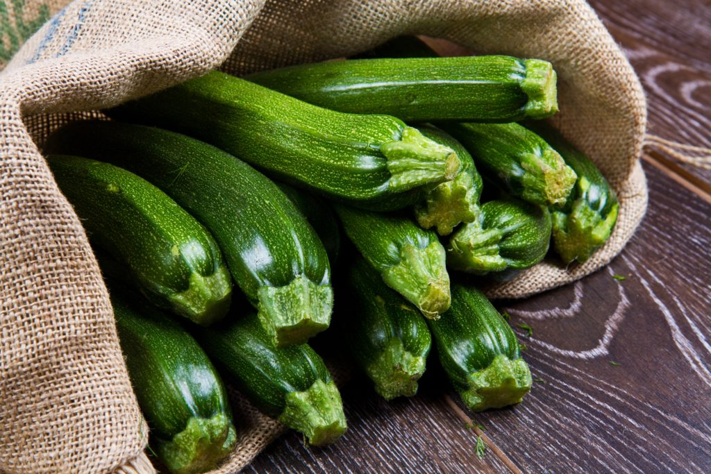 gesunde zucchini sommergem se f r die leichte k che. Black Bedroom Furniture Sets. Home Design Ideas