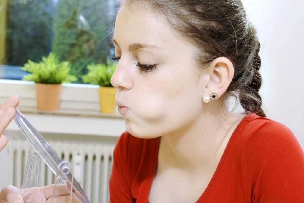 Atemtechniken können in der Logopädie erlernt werden. Bild: Artemida-psy-fotolia