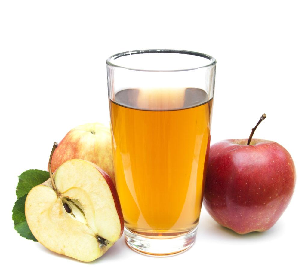 Kaum jemand denk bei der Produktion von Apfelsaft an den Einsatz tierischer Produkte, doch wird oft Gelatine zum klären verwendet. (Bild: Es75/fotolia.com)