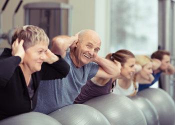 Ausreichende Bewegung ist gut für unsere Gesundheit. Forscher fanden jetzt heraus, dass Patienten mit Herz-Kreislauf-Erkrankungen sich dringen mehr bewegen sollten. So verbessern sie ihre Gesundheit und sparen Kosten für das Gesundheitswesen. (Bild: contrastwerkstatt/fotolia.com)