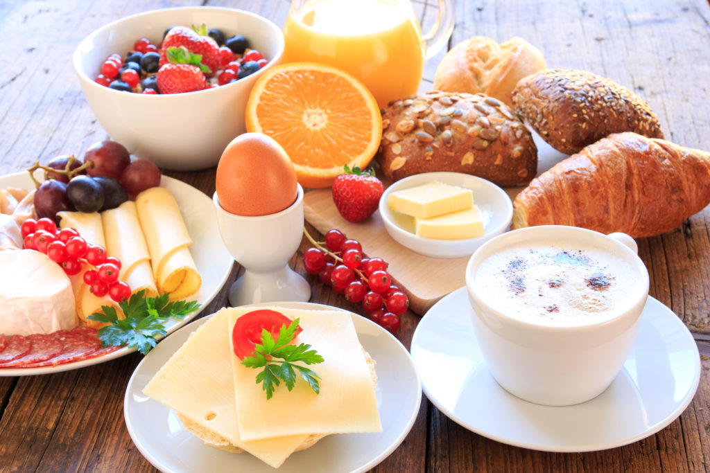 Ein gesundes Frühstück ist ein guter Start in den Tag. Doch bei Frauen können die positiven gesundheitlichen Auswirkungen des Frühstücks durch Stress am Vortag aufgehoben werden. (Bild: juefraphoto/fotolia.com)