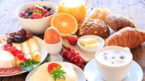 Ein gesundes Frühstück ist ein guter Start in den Tag. Doch bei Frauen können die positiven gesundheitlichen Auswirkungen eine Frühstücks durch Stress am Vortag aufgehoben werden. (Bild: juefraphoto/fotolia.com)