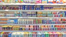 Die Unternehmen Sachsenmilch und T.M.A. rufen mehrere Joghurts und Desserts aus ihrem Sortiment zurück. Die unter anderem bei Aldi verkauften Produkte könnten Plastikteilchen enthalten. (Bild:niradj/fotolia.com)