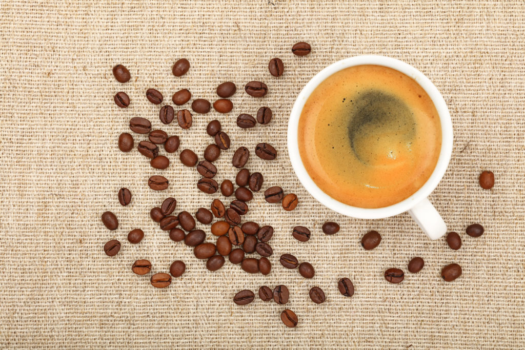 In einem Café im australischen Adelaide wird ein Kaffee verkauft, der 80 Mal stärker als Espresso sein soll. Herz-Kreislauf-Patienten sollten das Getränk besser meiden. (Bild: breakingthewalls/fotolia.com)