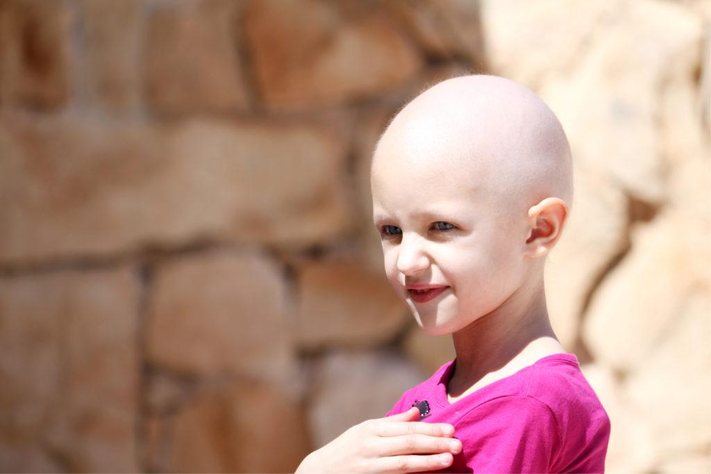 Wissenschaftler machten eine beunruhigende Entdeckung. Immer mehr Kinder und Jugendliche erkranken an Krebs. In Großbritannien ist Krebs die meist verbreitete Todesursache bei Kindern unter 14 Jahren. (Bild: Frantab/fotolia.com)