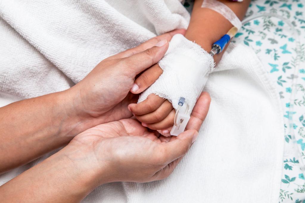 """Menschen, die an Blutkrebs leiden, erhalten meist eine Chemotherapie. Einer jungen Italienerin, die an Leukämie erkrankte, wurde eine solche Therapie verweigert. Sie starb nach einer """"Wunderheiler""""-Behandlung. (Bild: pingpao/fotolia.com)"""