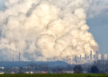 In der heutigen Zeit nimmt die Luftverschmutzung immer weiter zu. Auch die dadurch entstehenden Krankheiten sind auf dem Vormarsch. Wissenschaftler der WHO stellten fest, dass es immer mehr Tote durch die Auswirkung der Luftverschmutzung gibt. (Bild: VanderWolf Images/fotolia.com)