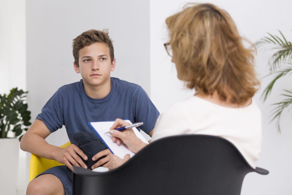"""Trauma-Therapie als Hilfe bei """"Ritzen"""". Bild: Photographee.eu - fotolia"""