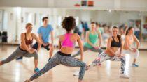 Mediziner stellten fest, dass ältere Menschen mit frühen Anzeichen einer vaskulären Demenz Aerobic machen sollten. Aerobic-Übungen führen zu einer geringen Verbesserung der Denk-Fähigkeiten. (Bild: luckybusiness/fotolia.com)