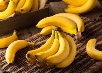 Obwohl Bananen sehr gesund sind, sollten sie laut Experten besser nicht zum Frühstück verzehrt werden. Dadurch könnten wesentliche Vorteile des Obstes verloren gehen. (Bild: Brent Hofacker/fotolia.com)