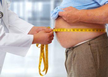 Rund jeder dritte Deutsche leidet an einer Fettleber. Viele wissen allerdings nichts davon. Mittlerweile werden die meisten Leberschäden nicht mehr durch Alkohol, sondern durch Übergewicht hervorgerufen. (Bild: Kurhan/fotolia.com)