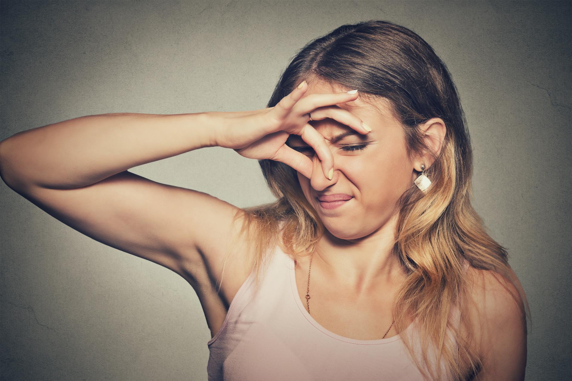 Wer nicht duscht, der stinkt. Das muss nicht stimmen. (pathdoc/fotolia.com)