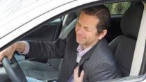 Ein Herzinfarkt stellt eine lebensbedrohliche Situation dar. Im Auto wird er noch gefährlicher. Ein Autofahrer aus Sinsheim schwebt nach einem Infarkt am Steuer in Lebensgefahr. (Bild: photophonie/fotolia.com)