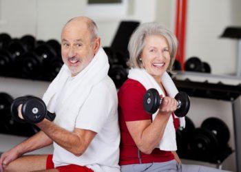 Menschen mit Typ-2-Diabetes wird empfohlen, sich gesund zu ernähren und regelmäßig Sport zu treiben. Neben Ausdauer- ist auch Krafttraining wichtig.(Bild: contrastwerkstatt/fotolia.com)