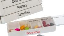 Seit Anfang Oktober hat jeder gesetzlich Versicherte, der drei oder mehr Arzneimittel einnehmen muss, Anspruch auf einen Medikationsplan. Dieser enthält genaue Dosierungs- und Einnahmehinweise und trägt so zur Therapiesicherheit bei. (Bild: Gina Sanders/fotolia.com)