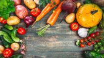 Übergewicht geht oft mit einer chronischen Entzündung einher, die das Risiko für bestimmte Krankheiten erhöht. Eine pflanzenbetonte Ernährungsweise kann dieses Risiko senken. (Bild: Yasonya/fotolia.com)