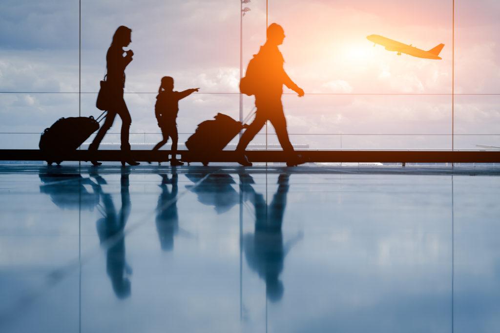 Unterschätztes Risiko: Internationale Reisen haben einen maßgeblichen Einfluss auf die Ausbreitung multiresistener Erreger. (Bild: NicoElNino/fotolia.com)