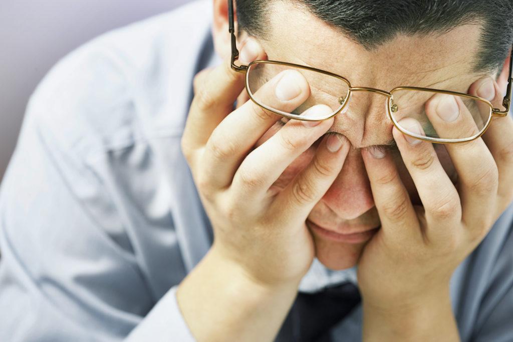 Immer mehr Menschen in der heutigen Zeit leiden an Stimmungsschwankungen und Depressionen. Forscher stellten jetzt fest, dass die Zeitumstellung im Herbst mit einem massiven Anstieg der Raten an Depressionen verbunden ist. (Bild: Korta/fotolia.com)