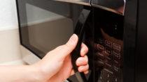 Wie ungesund ist die Mikrowelle? Bild: Alexey Rotanov-fotolia