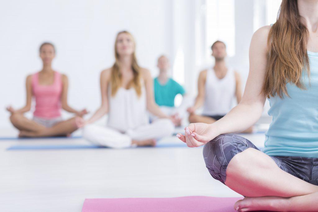Bestimmte Yoga-Übungen können zu Blut im Auge führen. Bild: Photographee.eu - fotolia