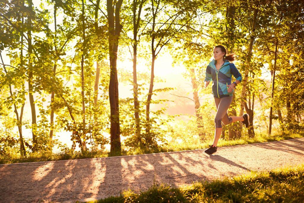 In Deutschland erkranken täglich rund 1.000 Menschen neu an Diabetes. Um sich vor der Stoffwechselkrankheit zu schützen, sollte man Übergewicht vermeiden, sich gesund ernähren und viel bewegen. (Bild: baranq/fotolia.com)