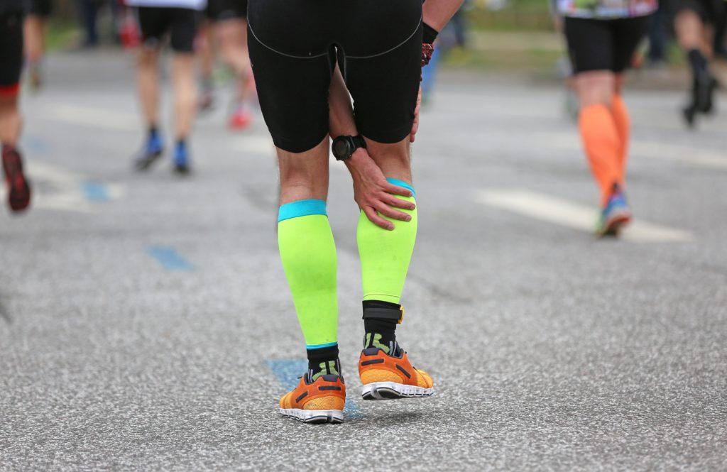 Ermüdungsschmerzen zeigen sich meist infolge von Arthrose-Erkrankungen, werden jedoch nicht selten mit den Muskeln in Zusammenhang gebracht. (Bild: Kara/fotolia.com)