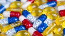 Forscher entwickelten jetzt Medikamentenkapseln, welche langfristig Medikamente an den Körper abgeben können. Dadurch wird die Behandlung einiger Krankheiten erheblich vereinfacht. (Bild: Sebastian Duda/fotolia.com)