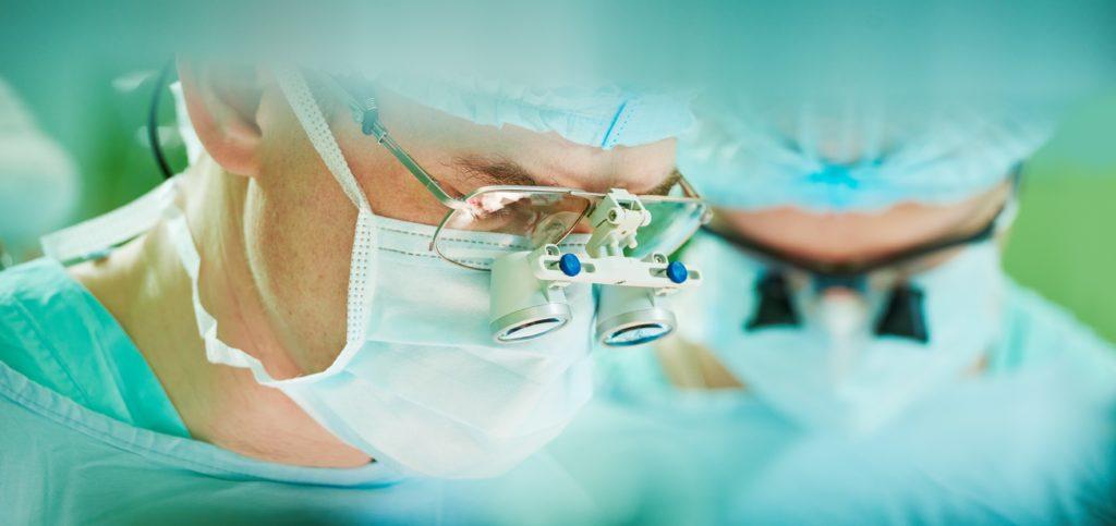 In Großbritannien hat eine junge Krebspatientin das Recht erstritten, ihren Körper nach dem Tod einfrieren zu lassen. Nun wird ihre Leiche bei unter minus 130 Grad aufbewahrt. Die 14-Jährige hoffte, eines Tages geheilt und wieder geweckt zu werden. (Bild: Kadmy/fotolia.com)