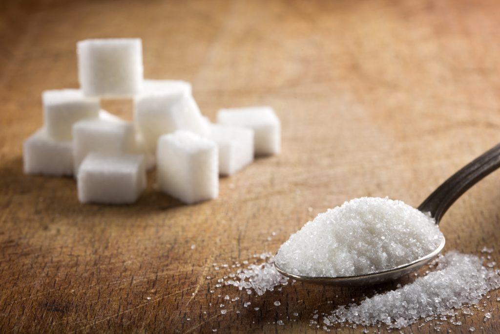 Laut Schätzungen könnte bis 2030 rund ein Viertel der Deutschen an Diabetes erkrankt sein. Ein Regierungsmitglied fordert nun die Einführung einer Zuckersteuer. (Bild: Sebastian Studio/fotolia.com)