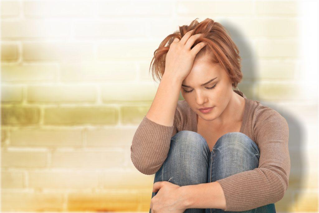 Schmerzen im Gesicht hat vielfältige Ursachen. Es können Nervenschmerzen sein oder auch Zahnweh, das ausstrahlt. Bild: BillionPhotos.com - fotolia