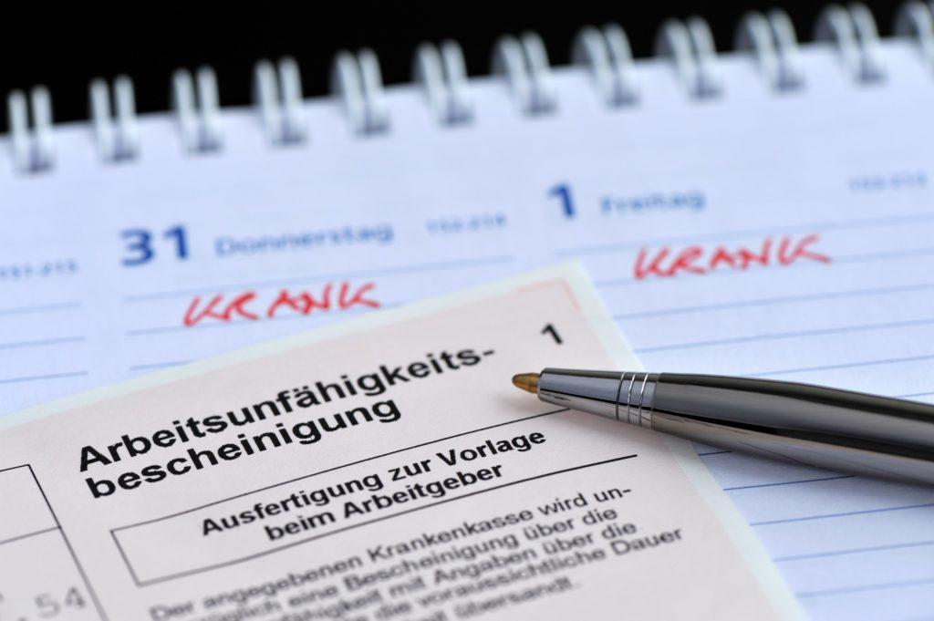 Im vergangenen Jahr war jeder Arbeitnehmer in Deutschland im Durchschnitt 15,2 Tage krankgeschrieben. (Bild: nmann77/fotolia.com)