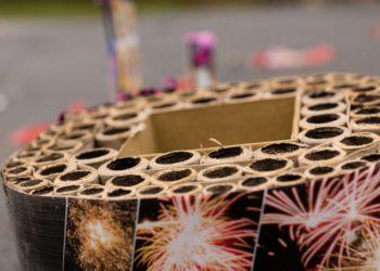 Das Feuerwerk in der Silvesternacht sorgt jedes Jahr für Hunderte Augenverletzungen. Betroffen sind oft unbeteiligte Personen. (Bild: skatzenberger/fotolia.com)