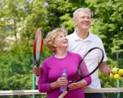 Tennis zählt zu den Sportarten, die einen besonders positiven Einfluss auf die Lebenserwartung haben. (Bild: sepy/fotolia.com)