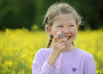 Personen, die im Kindesalter an Allergien litten, haben im Erwachsenenalter ein höheres Risiko für psychische Erkrankungen. (Bild: Zlatan Durakovic/fotolia.com)