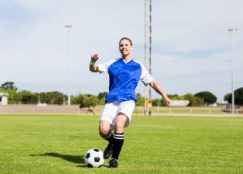 In einer neuen Studie hat sich gezeigt, dass Fußballtraining auf zellulärer Ebene Mechanismen in Gang setzt, die dem Alterungsprozess entgegen wirken und langfristig positive Auswirkungen auf die Herzgesundheit haben können. (Bild: WavebreakMediaMicro/fotolia.com)