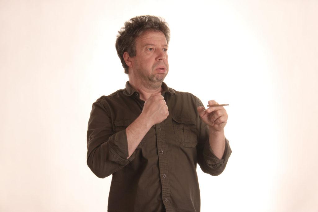 Wer wird helfen, den Kindern Rauchen aufzugeben