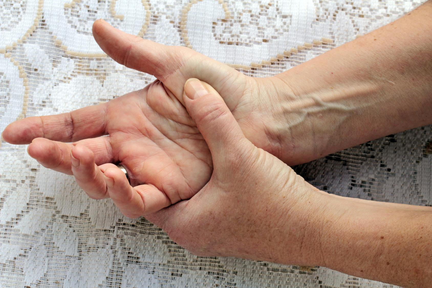 Haut schält sich fingerspitzen Meine Haut