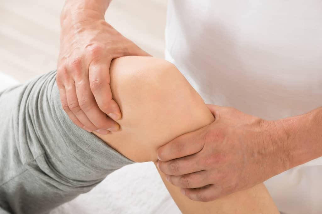 Flüssigkeit im Knie