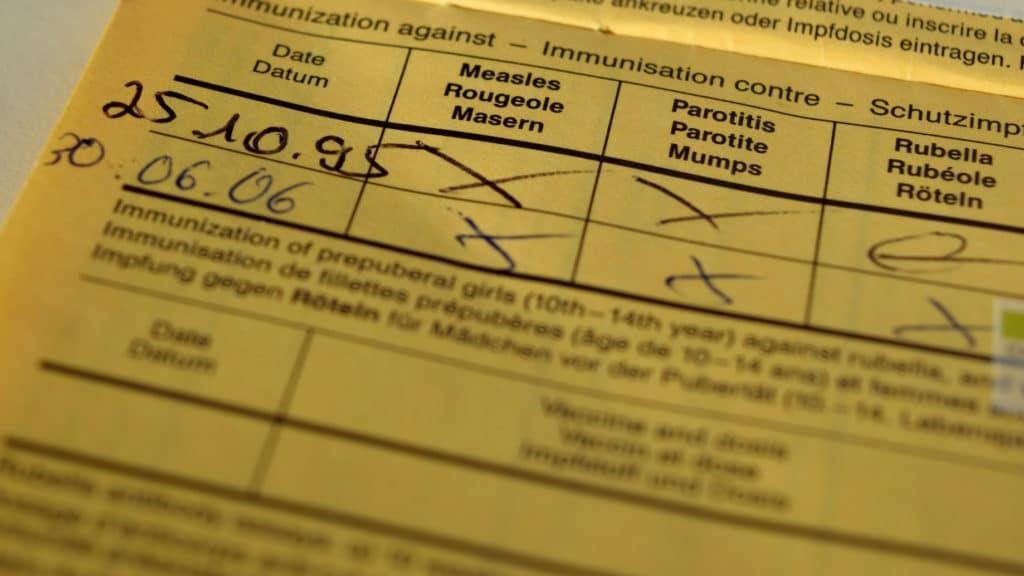 Impfbucheinträge für Masern-, Mumps- und Rötelimpfungen