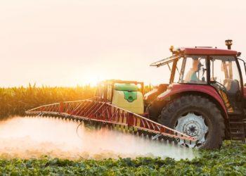 Pestizide in der Landwirtschaft sind eine zentrale Ursache für den Rückgang der Insekten. (Bild: Dusan Kostic/fotolia.com)