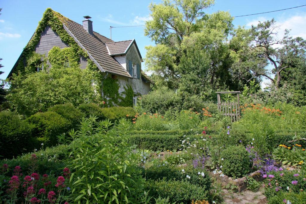Im Einklang: Der Naturgarten. Bild: Christine Kuchem Fotolia